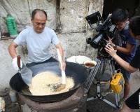 鸡汤泡炒米,奇特搭配 超级美味